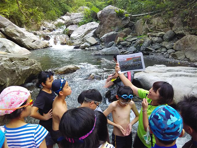 羅東自然教育中心:小腳丫走溼地